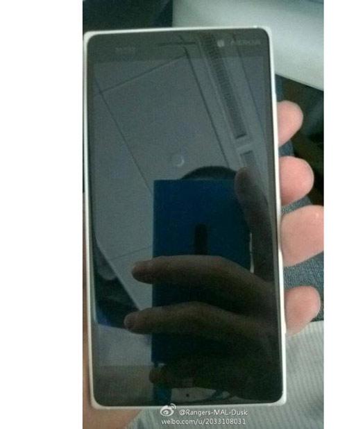 Nokia Lumia 830 vỏ nhựa, chạy WP8.1 lộ diện - 2