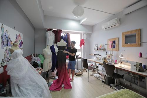 Trương Ngọc Ánh bị truy đuổi, xé váy tại Pháp - 11