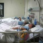 Sức khỏe đời sống - Con trai hôn mê, bố mẹ già đêm ngày trò chuyện cứu con