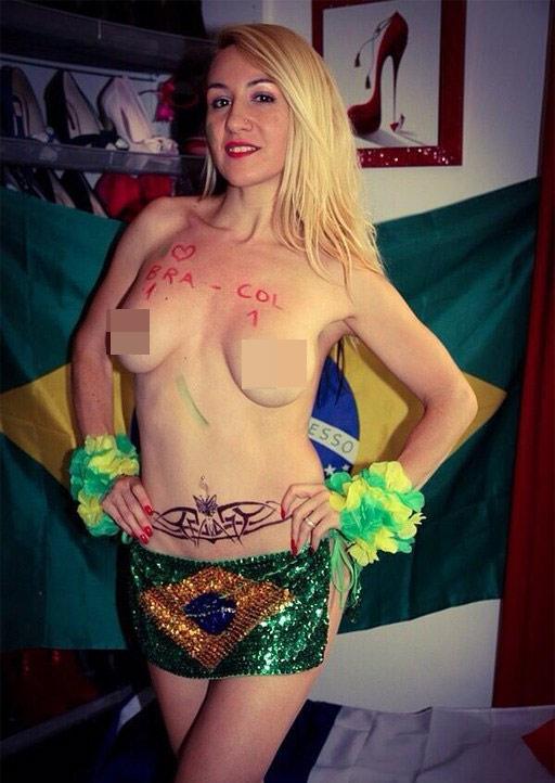 Fan nữ Brazil xinh đẹp, gợi cảm áp đảo CĐV Colombia - 1