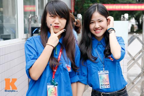 Nữ sinh Ngoại thương xinh tươi trong màu áo tình nguyện - 10