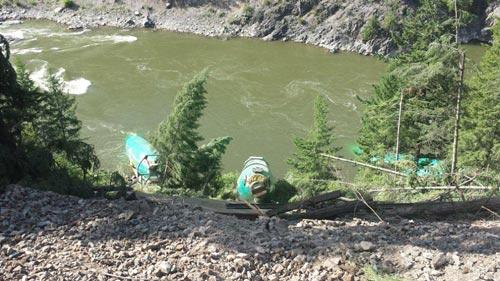 Mỹ: Lật tàu, 3 máy bay Boeing lăn xuống sông - 2
