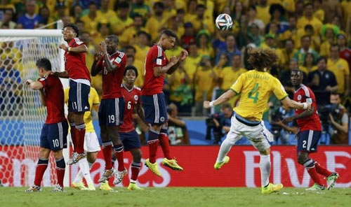 Luiz: Gợi nhớ cú sút của huyền thoại Roberto Carlos - 2