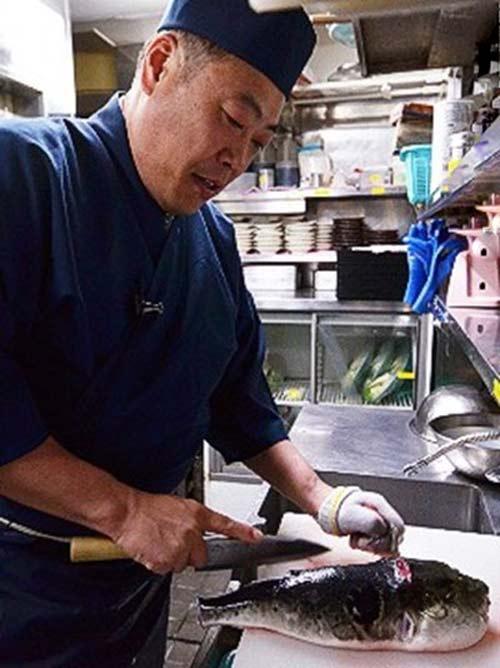 Độc đáo nghệ thuật ăn cá nóc của người Nhật - 2