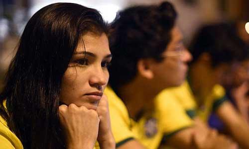 Neymar bị chấn thương nặng, Brazil buồn tê tái - 4