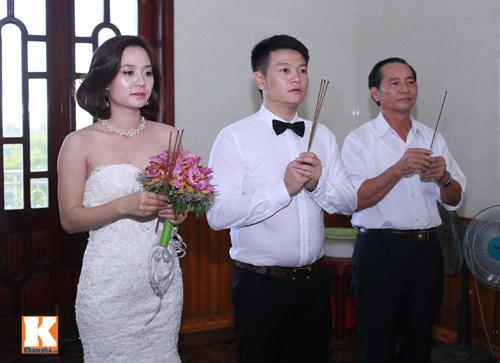 Văn Quyến hôn cô dâu thắm thiết trong ngày cưới - 7
