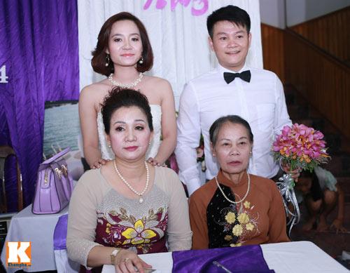 Văn Quyến hôn cô dâu thắm thiết trong ngày cưới - 8