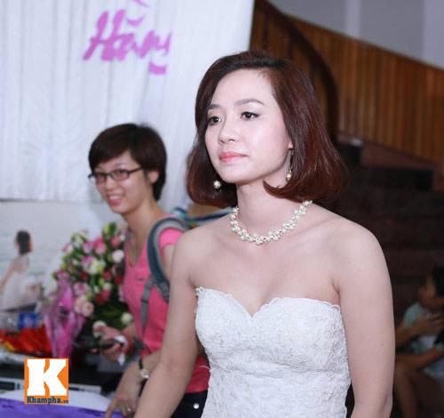 Văn Quyến hôn cô dâu thắm thiết trong ngày cưới - 6