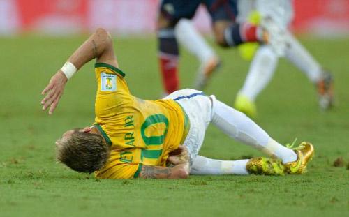 """""""Ronaldo béo"""" bức xúc về chấn thương của Neymar - 1"""