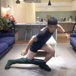 Phi thường - kỳ quặc - Video: Chàng trai mặc quần không dùng tay