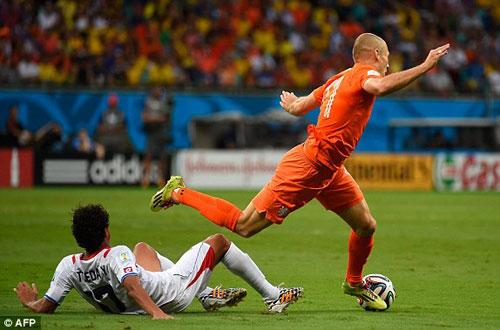 """Hà Lan - Costa Rica: Sân khấu của """"người gác đền"""" - 1"""