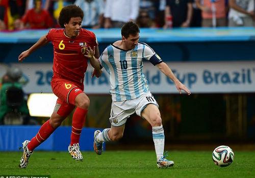 Messi: Trên con đường trở thành vĩ đại - 1