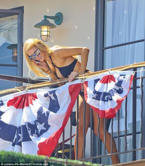 Loạt mỹ nhân khoe bạo chào quốc khánh Mỹ - 4