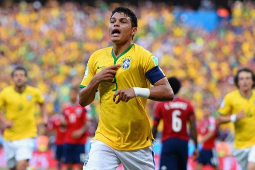Sau vụ Suarez, Barca dốc túi mua Thiago Silva - 1
