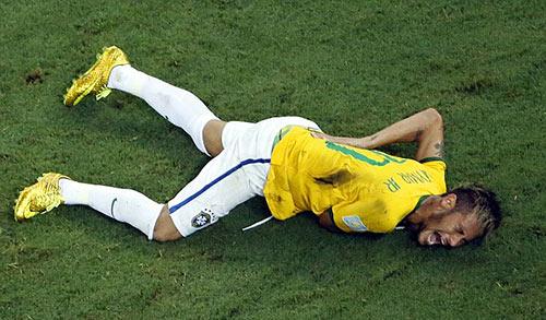 "Neymar chia tay World Cup, fan Argentina ""hả hê"" - 2"
