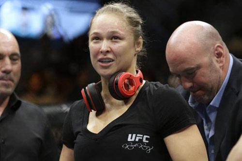 Người đẹp UFC Rousey hạ gục đối thủ sau 16 giây - 2