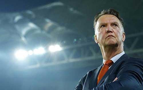 """Chưa đến Old Trafford, Van Gaal đã khiến M.U """"vớ bẫm"""" - 1"""