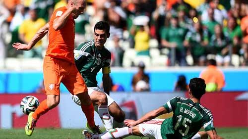 """Robben: Từ """"pha lê"""" hóa """"người thép"""" - 1"""