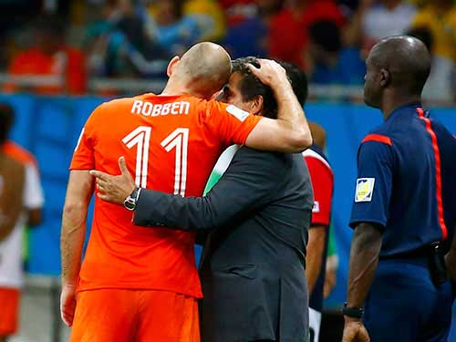 """Robben: Từ """"pha lê"""" hóa """"người thép"""" - 2"""