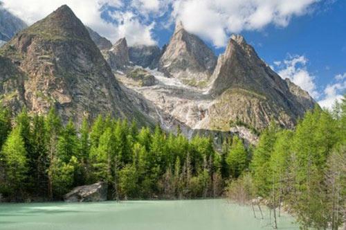 Chinh phục những ngọn núi nguy hiểm nhất thế giới - 4