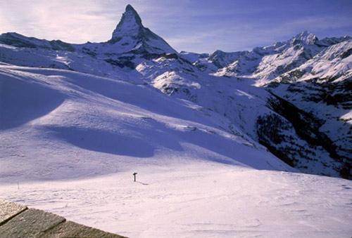 Chinh phục những ngọn núi nguy hiểm nhất thế giới - 9