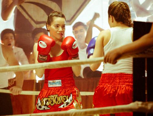 """Hà Hồ """"máu lửa"""" trên sàn boxing - 8"""