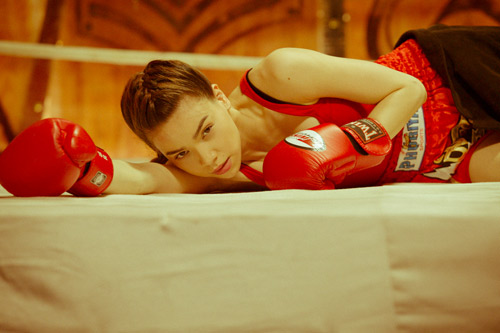 """Hà Hồ """"máu lửa"""" trên sàn boxing - 10"""