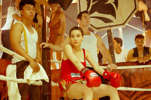 """Hà Hồ """"máu lửa"""" trên sàn boxing - 6"""