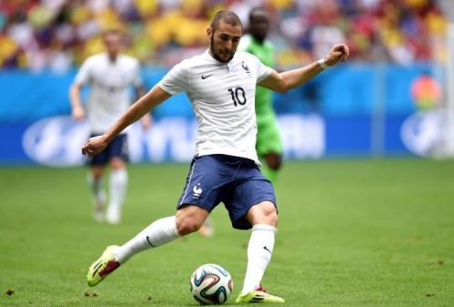 Messi vẫn kém, Benzema đang xuất sắc nhất World Cup - 1