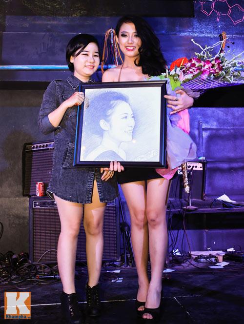 Trang Cherry khoe tài sáng tác nhạc trong minishow - 10