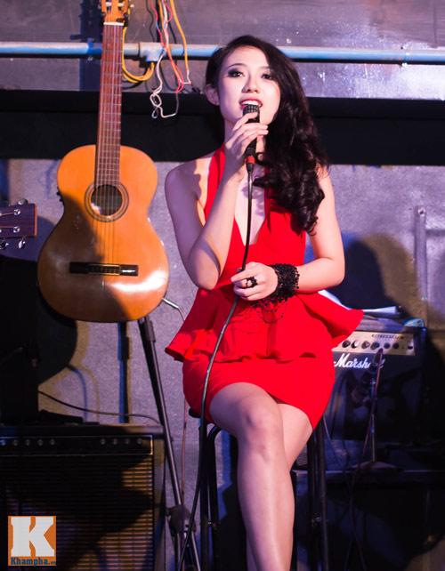 Trang Cherry khoe tài sáng tác nhạc trong minishow - 4