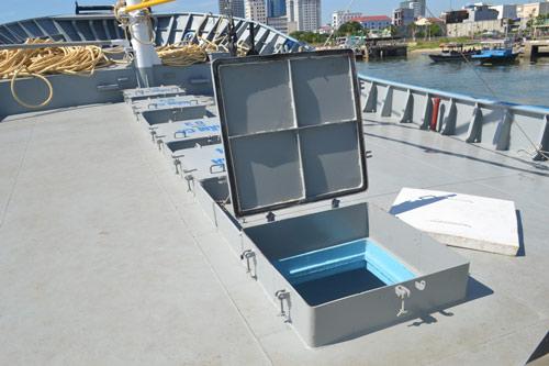 Cận cảnh tàu cá vỏ sắt đầu tiên sắp vươn khơi - 3