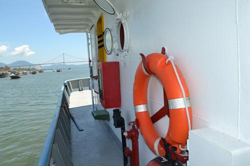 Cận cảnh tàu cá vỏ sắt đầu tiên sắp vươn khơi - 11