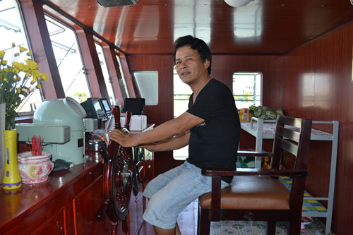 Cận cảnh tàu cá vỏ sắt đầu tiên sắp vươn khơi - 14