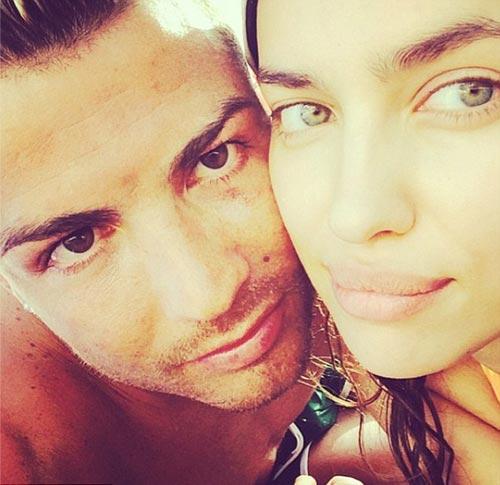 Ronaldo tận hưởng kỳ nghỉ bình yên bên bạn gái - 1