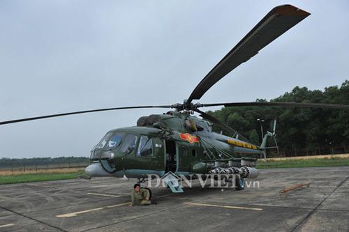 Cận cảnh trực thăng Mi-171 trước khi bị rơi tại Hòa Lạc - 9