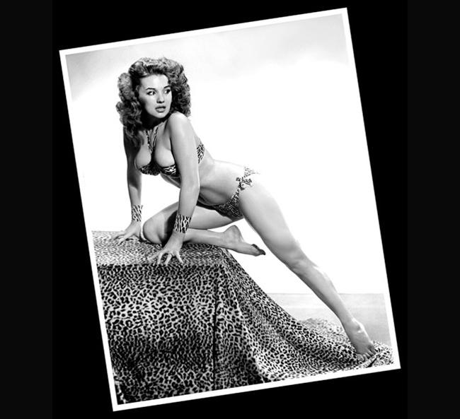 Blaze Starr sinh ngày 1/1/1932 là một cựu vũ nữ thoát y người Mỹ và ngôi sao hài hước trên sân khấu của nhiều thập niên trước. Ngày còn trẻ, Blaze Starr được gắn liền với biệt danh  vũ nữ hot nhất , bởi những màn trình diễn bốc lửa.