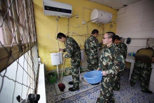 Bên trong trại cai nghiện Internet tại Trung Quốc - 12