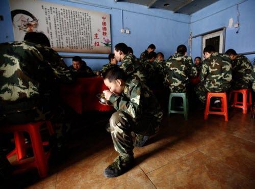 Bên trong trại cai nghiện Internet tại Trung Quốc - 14