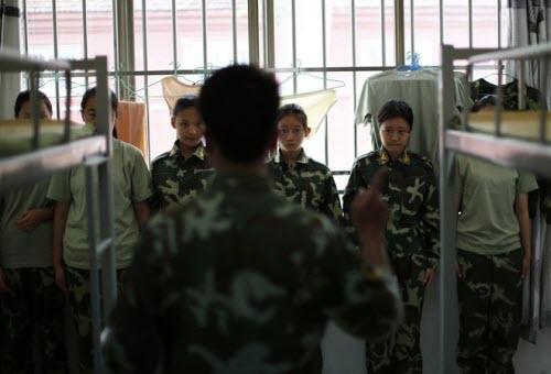 Bên trong trại cai nghiện Internet tại Trung Quốc - 15
