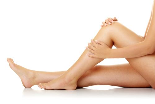 4 bí quyết giữ đôi chân trắng trẻo, mịn màng - 4