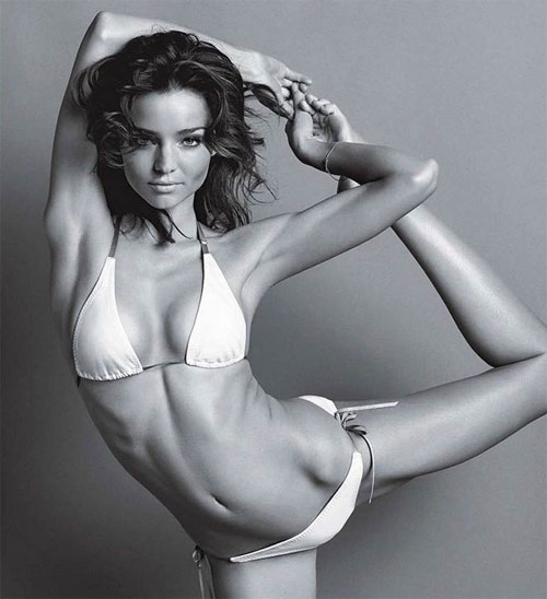 Nín thở ngắm người mẫu mặc bikini tập yoga - 6