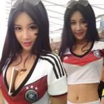 Thời trang - Cô gái châu Á gây chú ý trên khán đài vì quá sexy