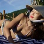 Phim - Nữ diễn viên Hàn đội nón lá, mặc bikini khêu gợi