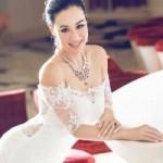 Phim - U50 gốc Việt Chung Lệ Đề diện váy cưới gợi cảm