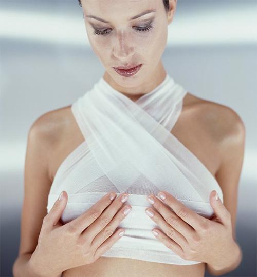 1405137681 nguc 1 Tò mò: Sẽ ra sao nếu đàn ông có ngực?