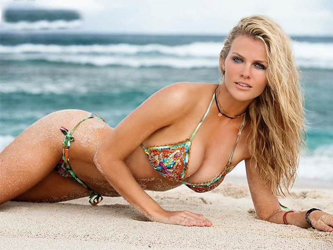 10 thiên thần bikini sexy nhất trong 50 năm qua - 10