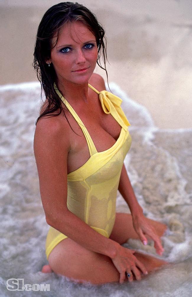 10 thiên thần bikini sexy nhất trong 50 năm qua - 12
