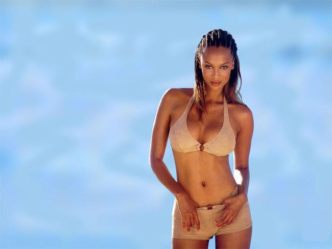10 thiên thần bikini sexy nhất trong 50 năm qua - 17