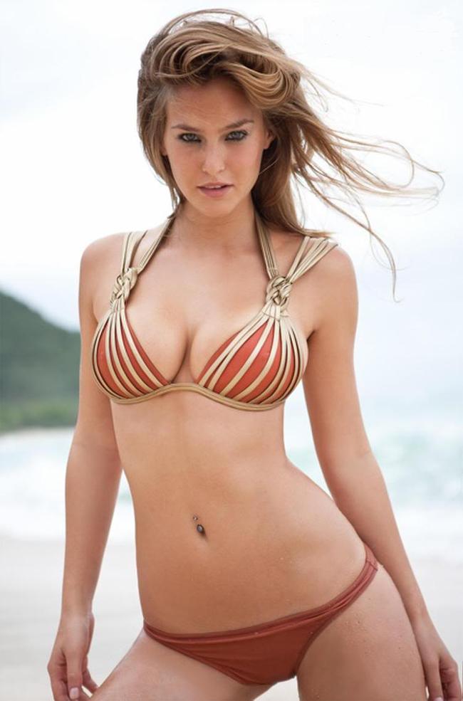 10 thiên thần bikini sexy nhất trong 50 năm qua - 4
